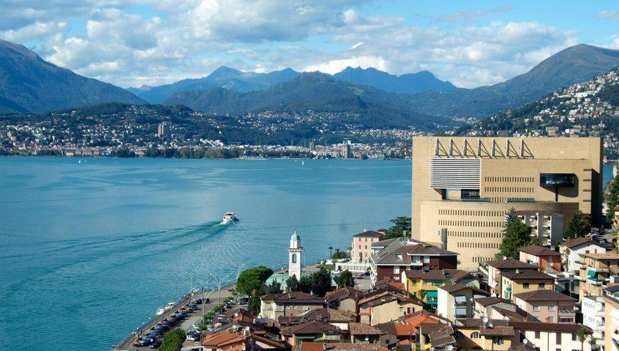 Жить в Италии на территории Швейцарии