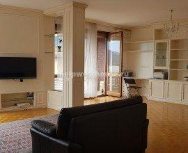 Трехкомнатная квартира в центре Кампионе в аренду