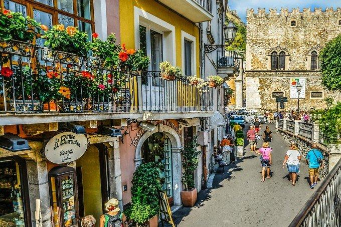 Италия жилье дубай онлайн камеры смотреть в реальном времени
